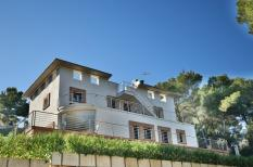 Villa in Cala Vinyas with privacy and close to the beach
