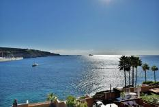 Luxury front line apartment with view to Port Adriano