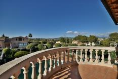Stately mansion near golf courses in Nova Santa Ponsa